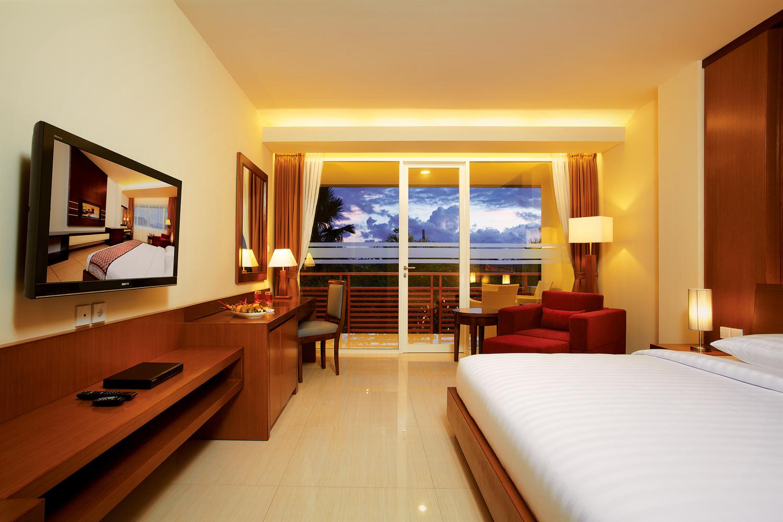 hotel deluxe. 01 Deluxe Bedroom 1 Hotel
